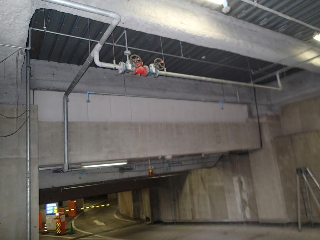 地下駐車場 ネット施工1