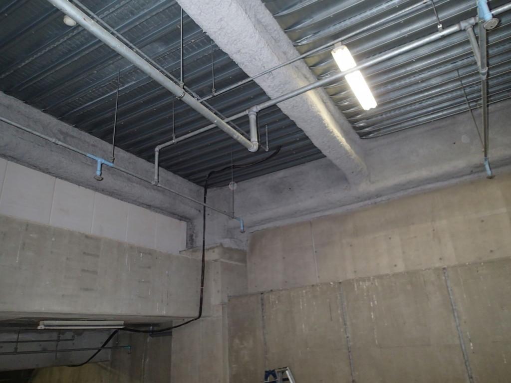 地下駐車場 ネット施工2